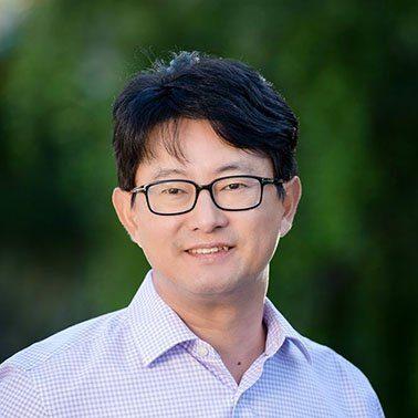 Dong-Su Kim